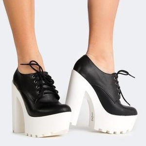 Shoes - COMING SOON! 90's Girl Chunky Lace Up Platform